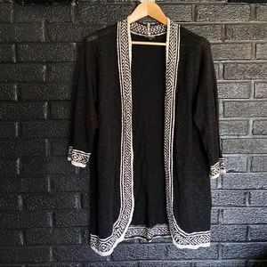 Torrid black and white extra long cardigan size 2X